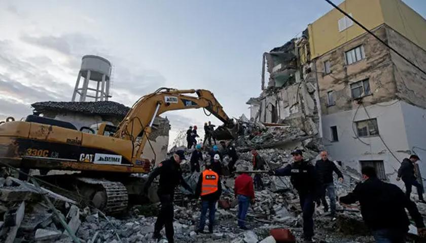 Cutremur cu magnitudinea 6,4 în Albania. Cel puţin 13 morţi şi sute de răniţi