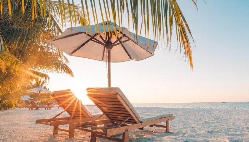 Guvernul a ridicat din restricţii pentru vacanţa la mare