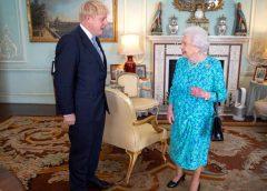 Boris Johnson ;i Elisabeta a II-a